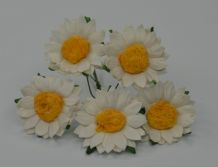 3 cm WHITE CHRYSANTHEMUM DAISY Mulberry Paper Flowers miniature card wedding